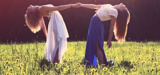 girls-926784_640